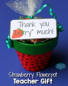 """Thank You """"Berry"""" Much Strawberry Flowerpot (Free Printable)"""