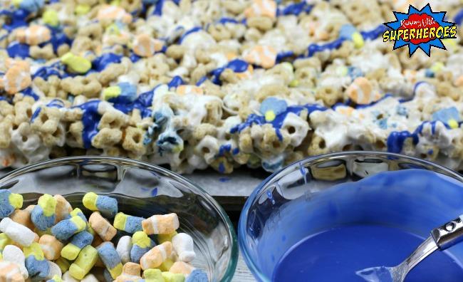 Finding Dory Marshmallow Treats Process 5